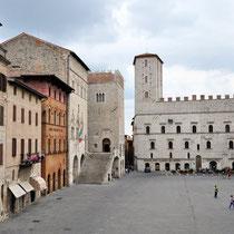 Todi-Piazza del Popolo e Palazzo dei Priori