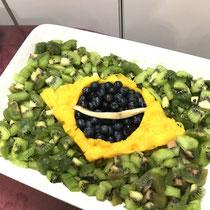 ⑧ ブラジル国旗フルーツ盛り合わせ