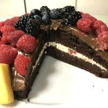 ⑧ 黒い森のサクランボ酒ケーキ
