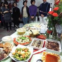 EuroLingualクリスマスパーティー2012 料理  ⑥  サラダ,ティラミス, フルーツプリン