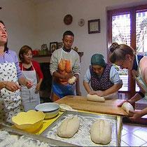 La LIngua La Vita-Impastiamo il pane