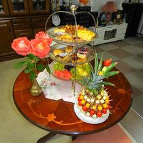 ① フルーツとデザート