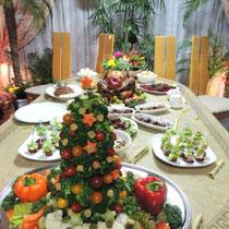 収穫祭&忘年会 2014:  サラダクリスマスツリー①