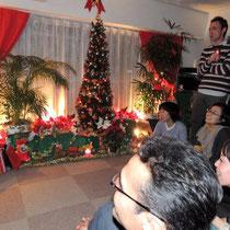 EuroLingualクリスマスパーティー2012 先生 ⑪