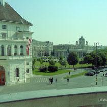 Ballhausplatz - Blick zur Präsidentschaftskanzlei/Hofburg - © mw