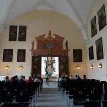 Der Rittersaal mit Blick zum frühbarocken Weihnachtsaltar - Foto ©MW