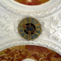 Klosterkirch, Uhr an der Decke