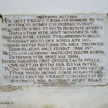 Inschrift an ehemaliger Begräbnisstätte Friedrich des Schönen unter der Klosterkirche © monika w.