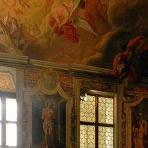 Sakristei - An den Wänden Szenen aus dem Leiden Christi