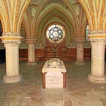 gotischer Kapitelsaal (1240) als Grablege des letzten Babenbergers, Friedrich des Streitbaren († 1246);