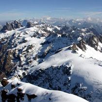 Urner Alpen 6 - Blick vom Titlisgipfel, vorne Gross- und Chli Spannort