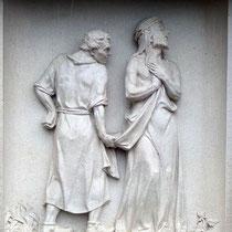 10. Station - Jesus wird seiner Kleider beraubt