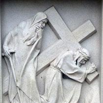 7. Station - Jesus zweiter Fall unter dem Kreuz
