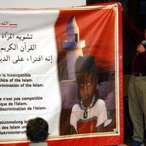 Motiv 16 - Rüdiger Nehberg - TARGET - Kampf gegen die Verstümmelung weiblicher Genitalien