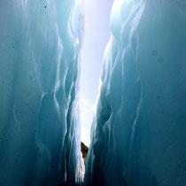 Motiv 3 - Blick aus einer Gletscherspalte