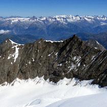 Berner Alpen 3 - Nadelgrat vor Berner Alpen