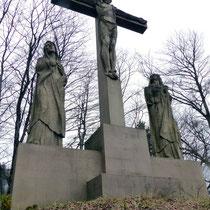 12. Station - Jesus stirbt am Kreuz