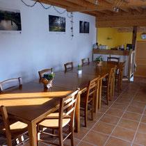 La salle à manger - Les noisetiers chambres d'hôtes au coeur du val de noye à 15 km au sud d'Amiens