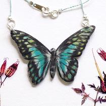 SchmetterlingSchmuckFaden mit gezeichnetem Schmetterlingsanhänger #06 || ButterflyJewelleryThread with hand-drawn butterfly pendant #06