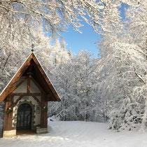 Jesus Rast Kapelle im Schnee