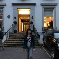 """Tamara con camiseta """"Eterno John Lennon en los Abbey Road Studios, en Londres"""