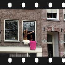 104 Amsterdam Canal Pride 2019 v.a de NH Radio Pride boot 26