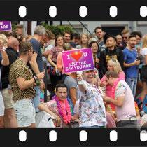 188 Amsterdam Canal Pride 2019 v.a de NH Radio Pride boot 26