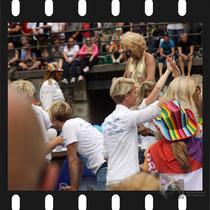 285 Amsterdam Canal Pride 2019 v.a de NH Radio Pride boot 26
