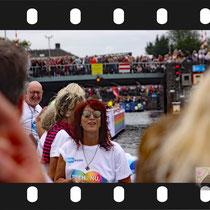 076 Amsterdam Canal Pride 2019 v.a de NH Radio Pride boot 26