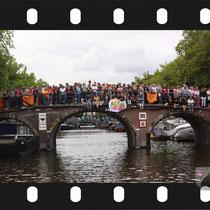 123 Amsterdam Canal Pride 2019 v.a de NH Radio Pride boot 26