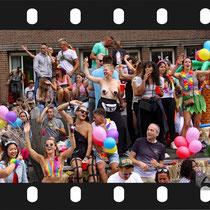 294 Amsterdam Canal Pride 2019 v.a de NH Radio Pride boot 26