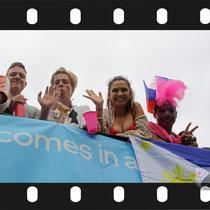 234 Amsterdam Canal Pride 2019 v.a de NH Radio Pride boot 26
