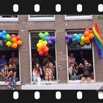 271 Amsterdam Canal Pride 2019 v.a de NH Radio Pride boot 26