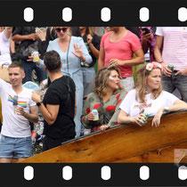 319 Amsterdam Canal Pride 2019 v.a de NH Radio Pride boot 26