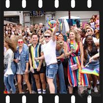 207 Amsterdam Canal Pride 2019 v.a de NH Radio Pride boot 26