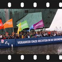 060 Amsterdam Canal Pride 2019 v.a de NH Radio Pride boot 26