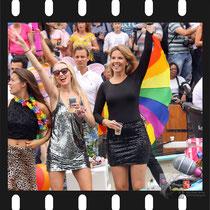 203 Amsterdam Canal Pride 2019 v.a de NH Radio Pride boot 26