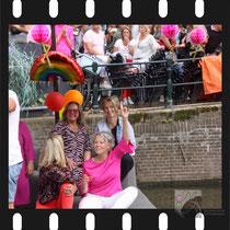 311 Amsterdam Canal Pride 2019 v.a de NH Radio Pride boot 26