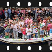 121  Amsterdam Canal Pride 2019 v.a de NH Radio Pride boot 26