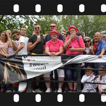 160 Amsterdam Canal Pride 2019 v.a de NH Radio Pride boot 26