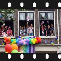 254 Amsterdam Canal Pride 2019 v.a de NH Radio Pride boot 26