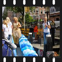 006 Amsterdam Canal Pride 2019 v.a de NH Radio Pride boot 26