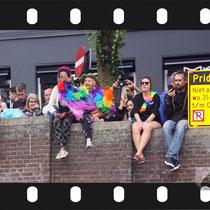 217 Amsterdam Canal Pride 2019 v.a de NH Radio Pride boot 26