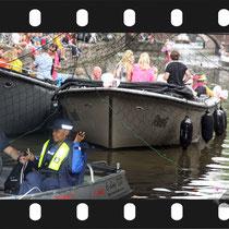 232 Amsterdam Canal Pride 2019 v.a de NH Radio Pride boot 26