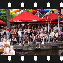 150 Amsterdam Canal Pride 2019 v.a de NH Radio Pride boot 26