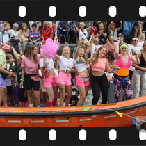 337 Amsterdam Canal Pride 2019 v.a de NH Radio Pride boot 26