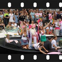 189 Amsterdam Canal Pride 2019 v.a de NH Radio Pride boot 26