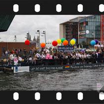 047 Amsterdam Canal Pride 2019 v.a de NH Radio Pride boot 26