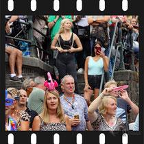 324 Amsterdam Canal Pride 2019 v.a de NH Radio Pride boot 26