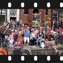 169 Amsterdam Canal Pride 2019 v.a de NH Radio Pride boot 26
